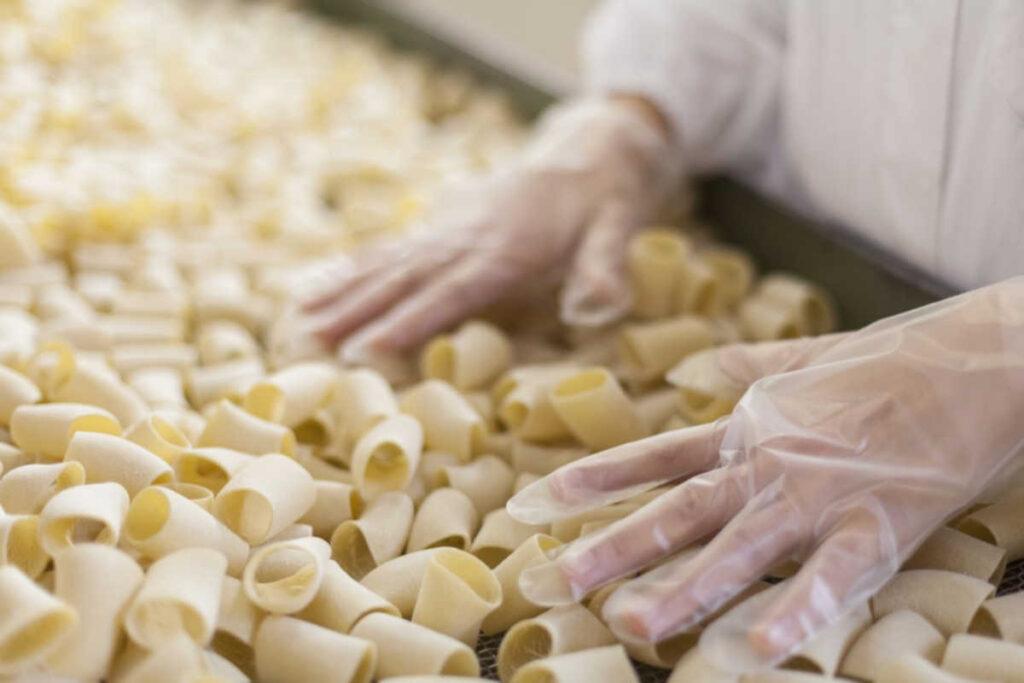 Pastificio chelucci lavorazione della pasta